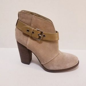 Jessica Simpson suede ankle boots EUC
